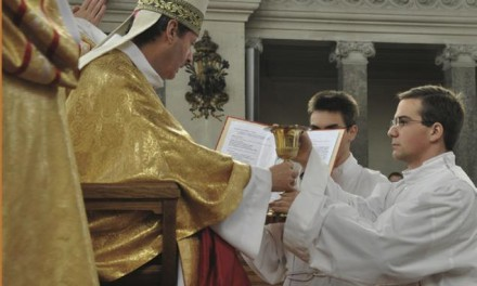 Vocation : devenir prêtre – Article de la Revue «Transmettre»